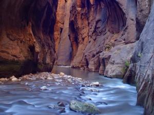 Canyoning - Stürzen Sie sich in die Schluchten