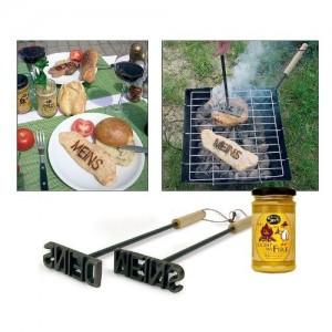 Mit dem Grill Brandeisen für klare Verhältnisse sorgen.