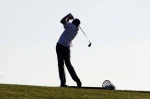 Lernen Sie den perfekten Abschlag beim Golf Schnupperkurs.