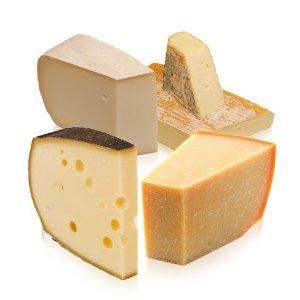 Geschenkekorb für Männer mit Käsespezialitäten
