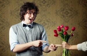 Auch Männer freuen sich über Blumengeschenke.